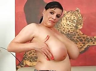 cougar laurella pleasing with her large boobs