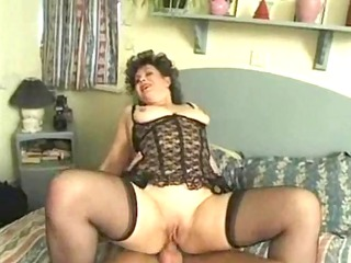 chunky english lady acquires facial during anal!