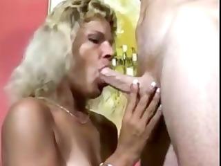 older  women adore to suck uneasy  dicks and