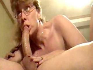 hot mature wife sucking dick