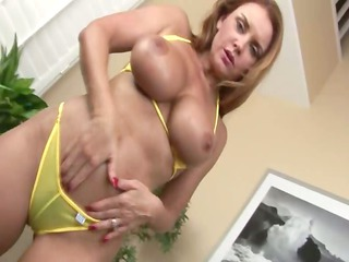 horny model fingering herself