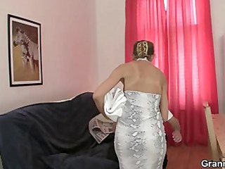 grownup masseuse licks and drives amateur meat