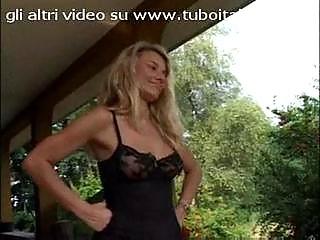 woman italiana federia tommasi  english lady