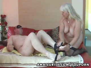 fat young wife licks and bangs on her bunk