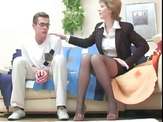 young guy seduced by brunette lady and gets