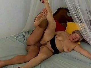 fat naughty lady needs uneasy  bottom porn