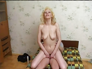 russian mum likes fresh dudes white cream !