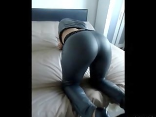 huge arse babe candid arse play & arse shaking