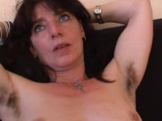 shaggy cougar young in lingerie spreads her kitty