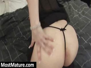 older slut enjoy with her curvy butt