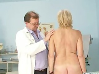 brigita gynochair cougar kitty speculum gyno