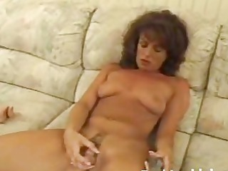 mature lady playing shaggy vagina