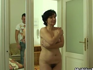 she finds her old woman driving her bfs cock