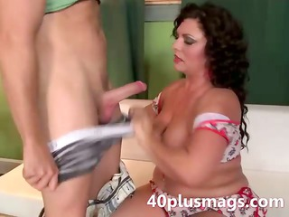 beautiful chubby latina milf