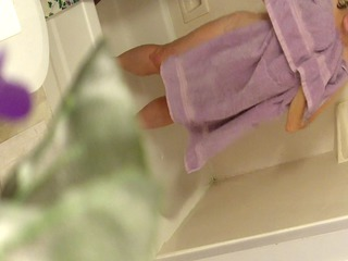 spy cam caught mom after bathroom