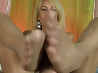 hot mature nylons footjob