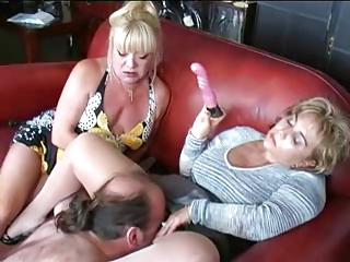 Cuckold blow job