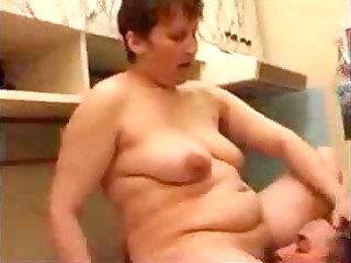 heavy brunette mom blows and fucking lone of her